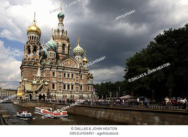 Russia, St Petersburg, Church of the Resurrection Church on Spilled Blood, Griboedov Canal, Tourist Boats
