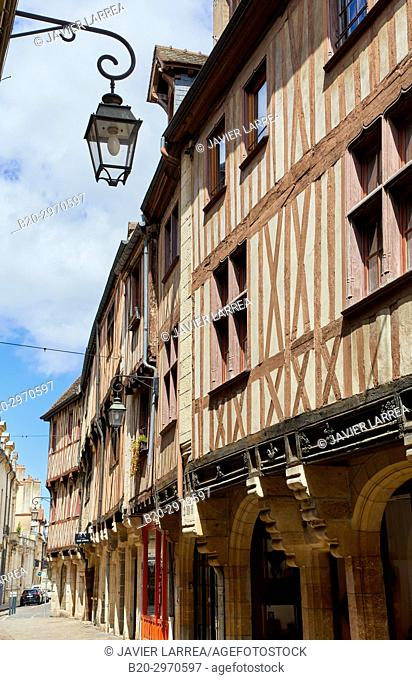 Traditional timber-frame Tudor style buildings, Dijon, Côte d'Or, Burgundy Region, Bourgogne, France, Europe