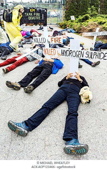 Kinder Morgan Trans Mountain Pipeline Gate Blockade Die In. Dozens of people breach the 5 metre injunction and simulate death by toxic fumes and fire