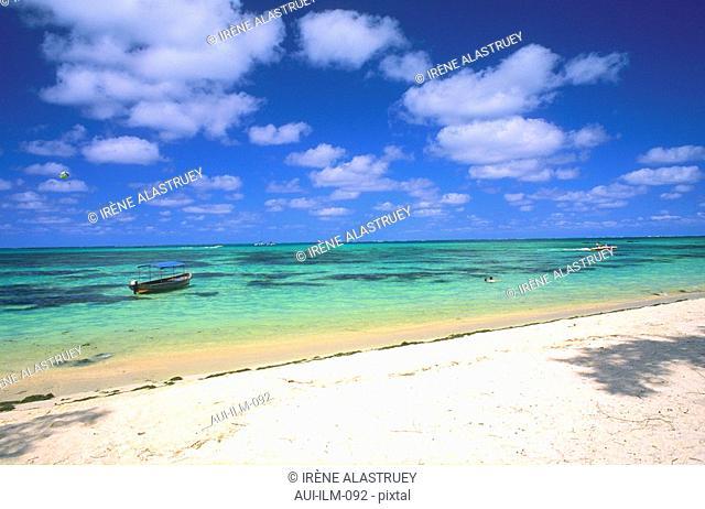 Mauritius - East Region - Ile aux Cerfs - seashore - beach