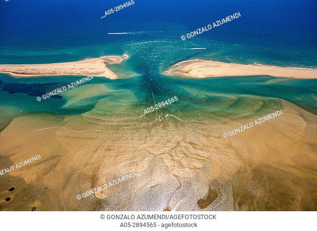 Barreta or Deserta island and Barrier lagoon . Ria Formosa, natural park . Faro district. Algarve. Portugal
