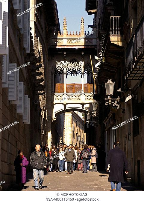Travelgroup in one of the oldest streets of Barcelona, Catalonia, Spain