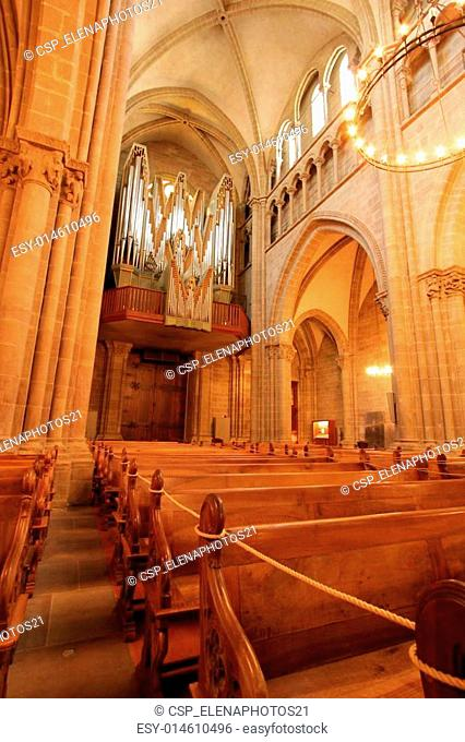 Organ inside the protestant Saint-Peter's cathedral in Geneva, S