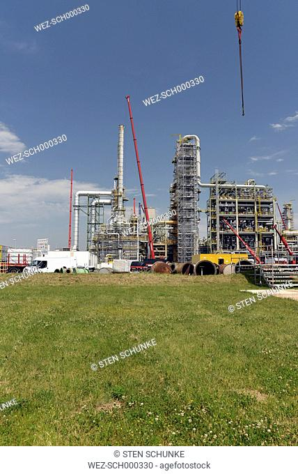 Germany, Saxony-Anhalt, inspection work in an oil refinery