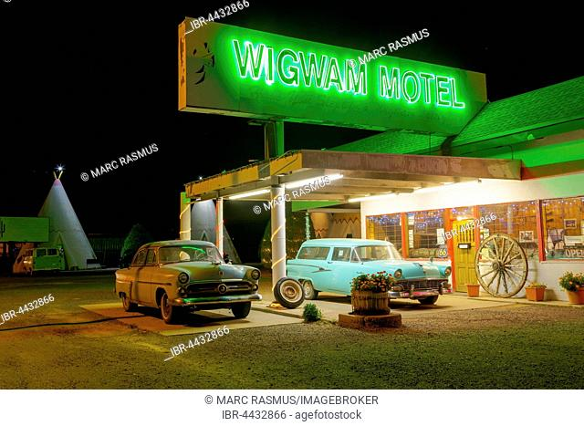 Wigwam Motel at night, Holbrook, Arizona, USA