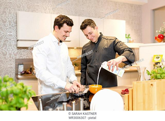 Cook gives a cooking course