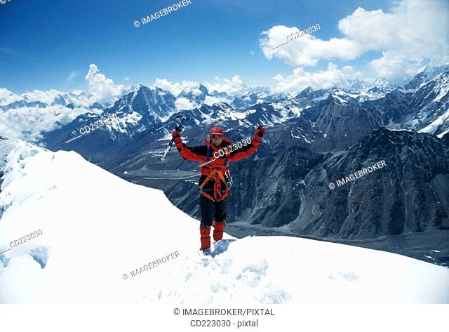 Trekking in Khumbu Valley to Mt. Everest Basis Camp and to Island Peak  (6189 m.)