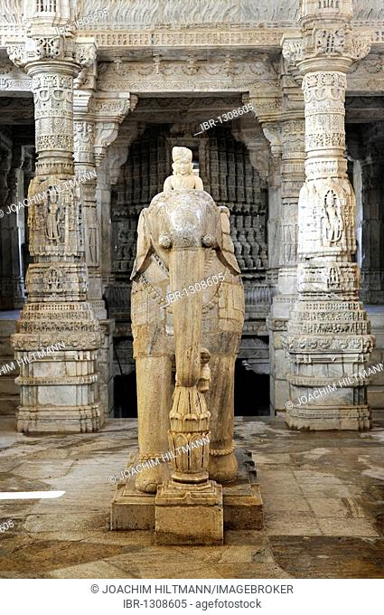 Seth Anandji Kalayanji Pedhi, Jain temple complex, statue of an elephant with rider in Adinatha Temple, Ranakpur, Rajasthan, North India, India, South Asia
