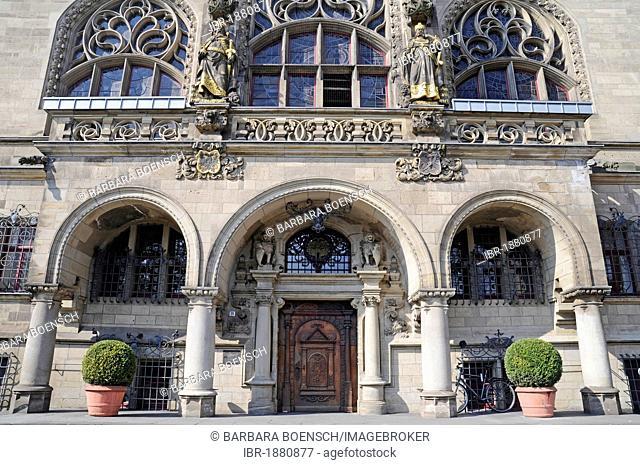 Entrance, facade, historic city hall, Duisburg, Ruhrgebiet region, North Rhine-Westphalia, Germany, Europe