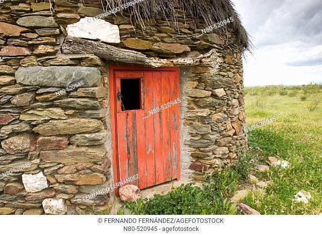 Typical stone hut. Membrio, Provincia de Cáceres, Extremadura, Spain