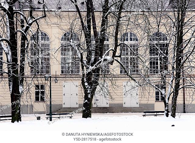 Side facade of Stara Pomaranczarnia in winter, side facade of Old Orangery building, Lazienki Krolewskie, Lazienki Park, Royal Baths Park, Warsaw, Poland