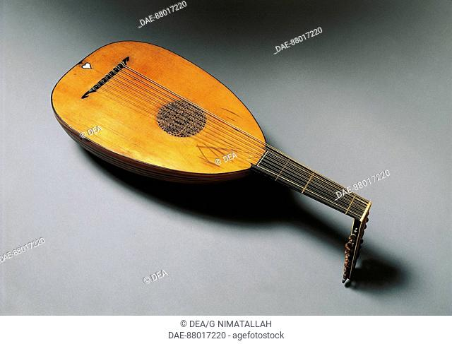 Lute. Italy, 18th century.  Florence, Museo Bardini (Art And Arts And Crafts Museum)