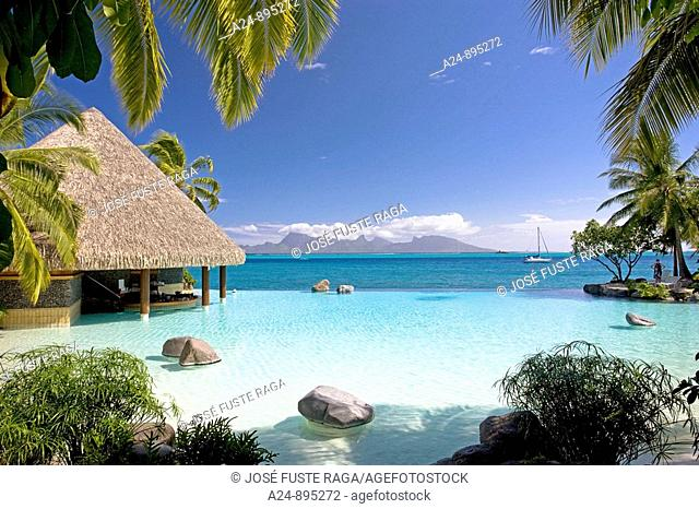 The sea at the InterContinental resort, Papeete, Tahiti Nui, Tahiti island, Society Islands, French Polynesia (May 2009)