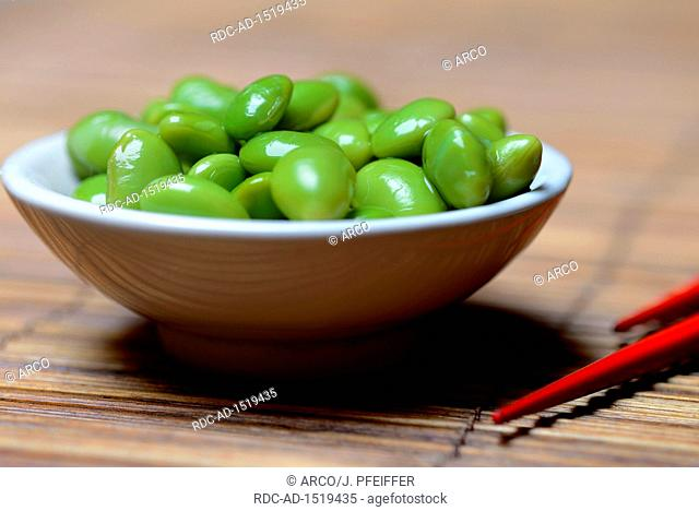 cooked unripe soybeans, Edamame, Glycine max