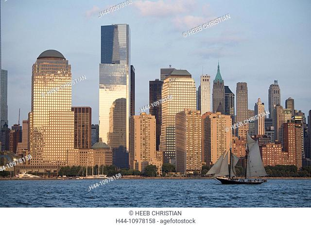 USA, United States, America, New York, Manhattan, lower Manhattan, city, skyline, Hudson river, sail boat