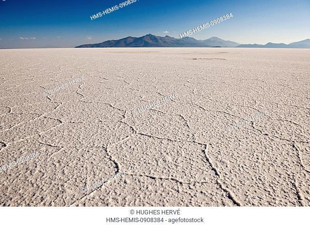 Bolivia, Potosi Department, Salar de Uyuni (3653 m), the biggest salt reserve in the world