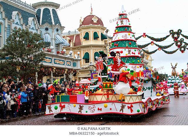 Disney Christmas parade, Paris Marne La Vallee