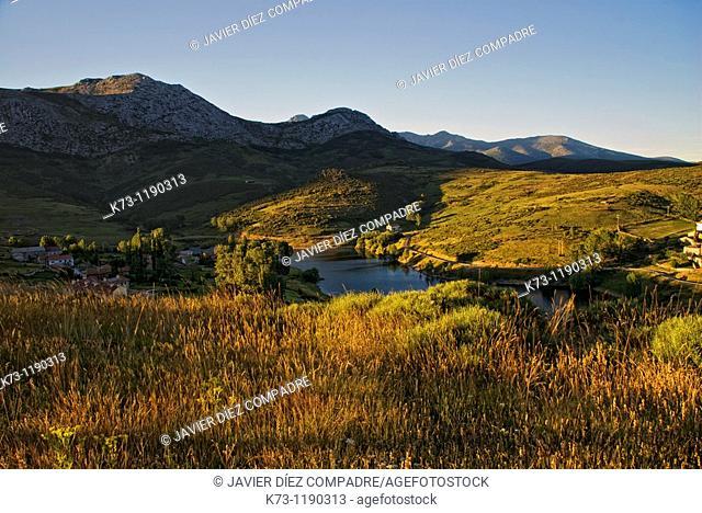 Camporredondo Reservoir. Alba de los Cardaños. Fuentes Carrionas y Fuente-Cobre Montaña Palentina Natural Park. Palencia Province. Castilla y Leon