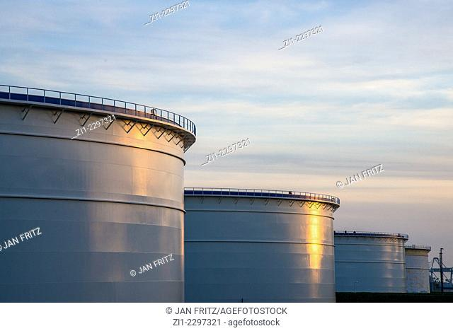 reservoirs for oil at rotterdam harbour