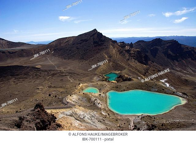 Tongariro Crossing and Emerald Lakes, Tongariro National Park, North Island, New Zealand, Oceania