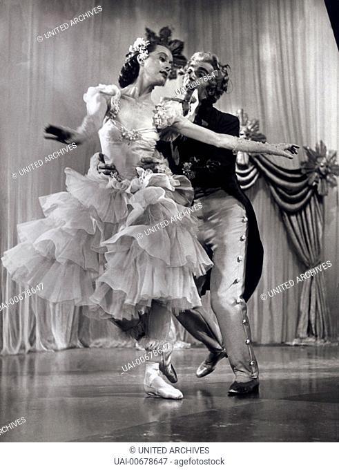 THE TALES OF HOFFMANN UK 1951 M. Powell, Emeric Pressburger Dance Scene: LEONIDE MASSINE, MOIRA SHEARER in The Tales of Hoffmann. Regie: M