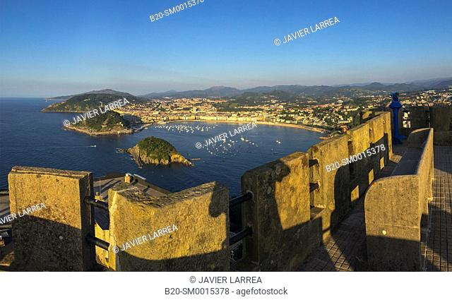 La Concha Bay, Monte Igeldo, Donostia, San Sebastian, Gipuzkoa, Basque country, Spain