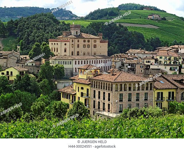 Barolo valley, vineyards, Castell di Barolo, Province Piedmont, Italy