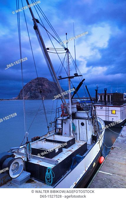 USA, California, Southern California, Morro Bay, harbor, dawn