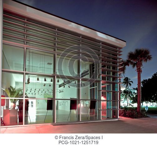 Modern Gallery in Florida