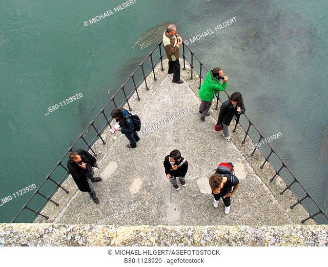 Tourists, audio guides, Pont d'Avignon, River Rhone, Avignon, France