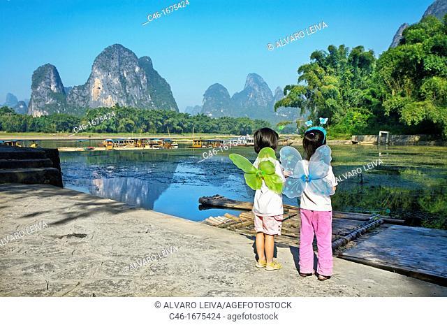 Girls, Xingping, Li River, Guangxi, China