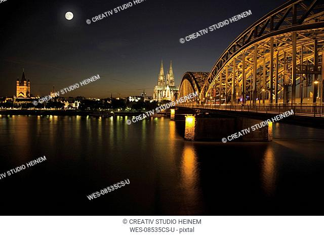 Germany, Cologne, Bridge and Cologne Cathedral at night