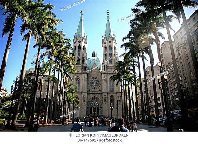 The neo-gothic Catedral Metropolitana or Catedral da Sé at the Praça da Se in São Paulo, Brazil