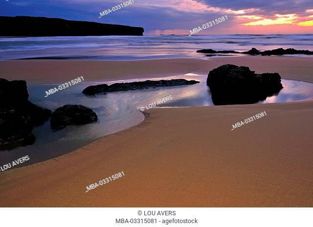 Portugal, Algarve, romantic evening mood on the beach Praia da Amoreira in the nature reserve Costa Vicentina