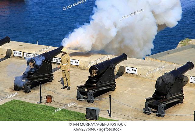 Saluting Battery gun firing, Upper Barrakka Gardens, Valletta, Malta