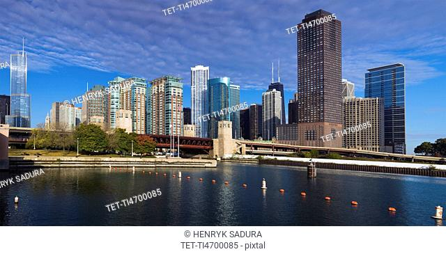 USA, Illinois, Chicago skyline across river