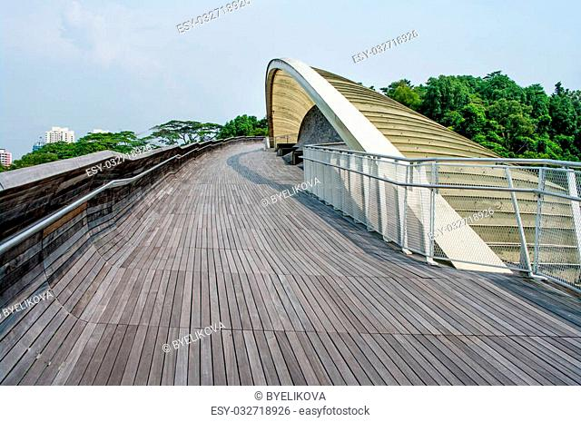 Henderson Waves is the highest pedestrian bridge in Singapore. It was built to connect the two hills of Mount Faber and Telok Blangah Hill