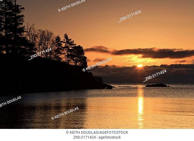Sunrise shoreline scene, Neck Point Park, Nanaimo, Vancouver Island, British Columbia