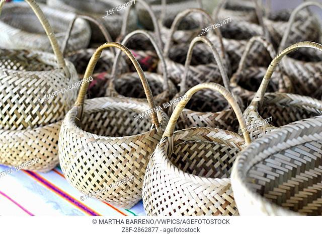 Baskets made of toquilla straw. Tsachila community. Santo Domingo de los Tsachilas. Pichincha. Ecuador