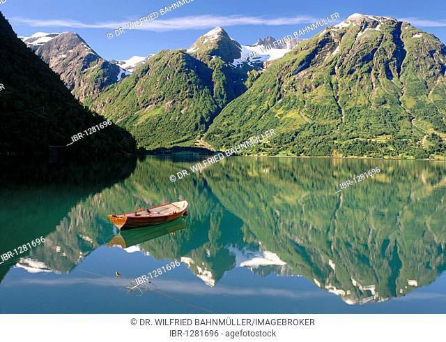 Strynsvatn near Hjelle, Norway, Scandinavia, Europe