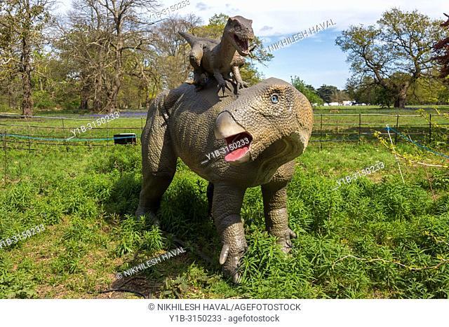 Deinonychus & Tenontosaurus, Jurassic Kingdom, Osterley Park, London