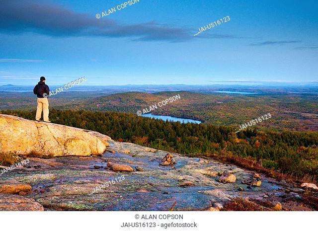USA, Maine, Mount Desert Island, Acadia National Park, from Cadillac Mountain MR