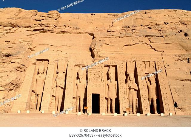 ramses temple abu simbel in egypt