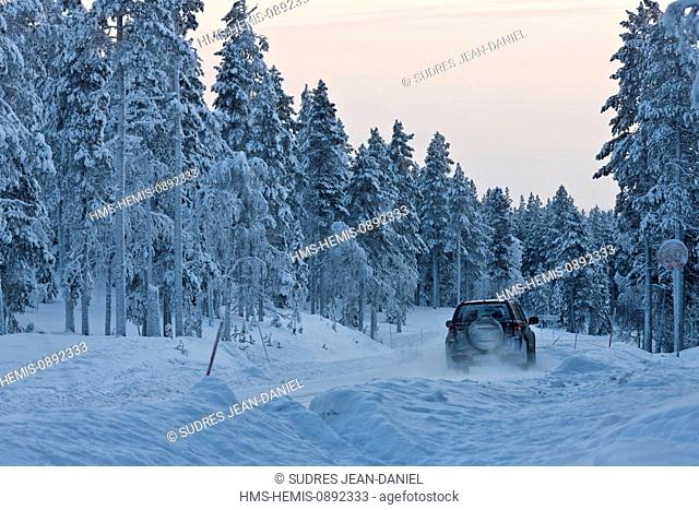 Finland, Lapland, near Levi, mountain road in Winter