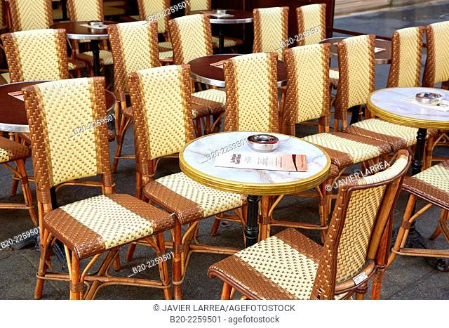 Terrace. Restaurant. Saint Michel square. Latin Quarter. Paris. France. Europe