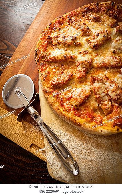 chicken parmesan pizza preparation