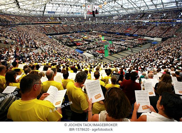 !Sing-Day of Song, concert as the finale with over 65, 000 people as part of the Capital of Culture Ruhr2010, Veltins Arena AufSchalke, Gelsenkirchen