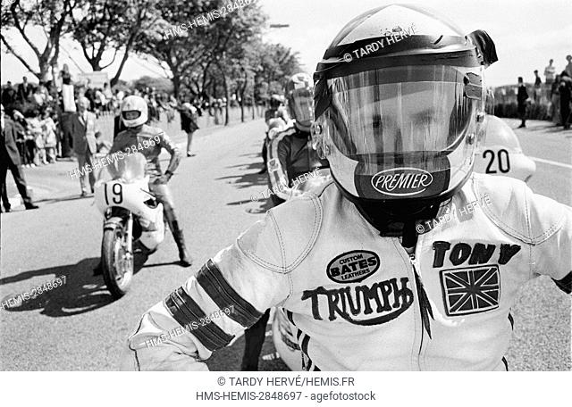 United Kingdom, Isle of Man, TT-1973, Tourist Trophy, Glencrutchery Road, starting line, when they turn, they will have two hundred and twenty-five turns to...