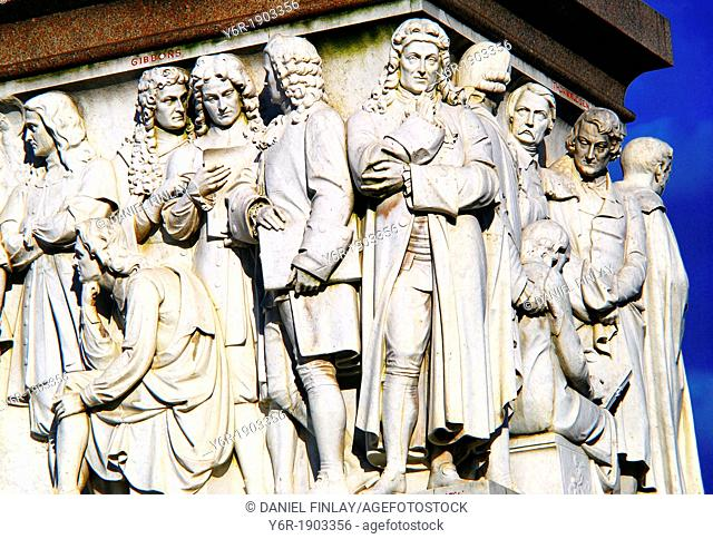 The 'Frieze of Parnassus' encircling the Albert Memorial in South Kensington, London, England. Depicted is a section of it which shows famous sculptors and...