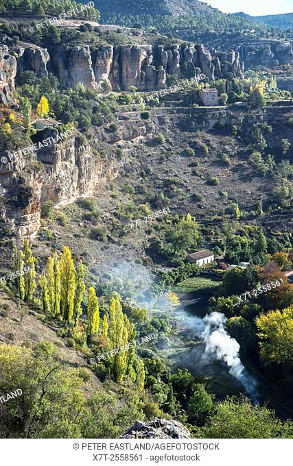 The Hoz del Huecar gorge in Autumn on the outskirts of Cuenca, Castilla-la mancha, Central Spain